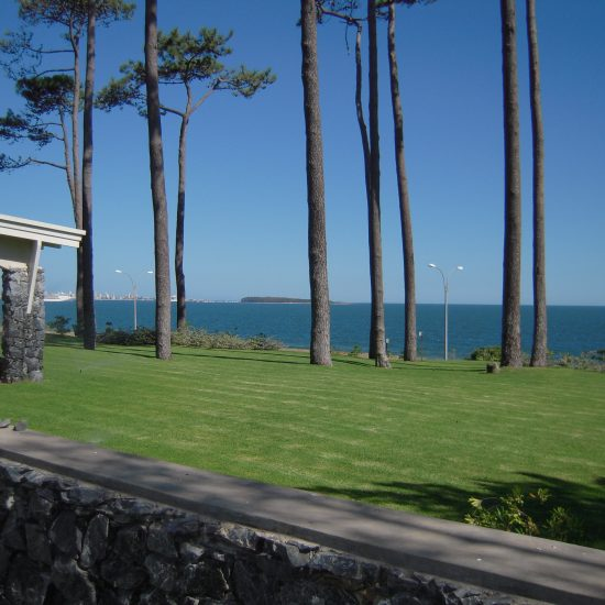 Casa en Paya Mansa sobre el mar Punta del Este investments2
