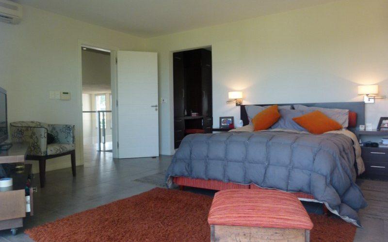 Punta del Este Investments zona de Pinares dormitoriovista frente