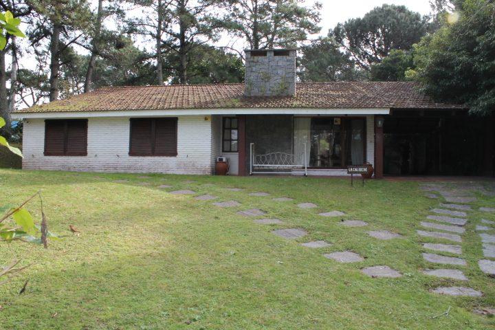 Casa en Punta del Este vende www.puntadelesteinvestments.com